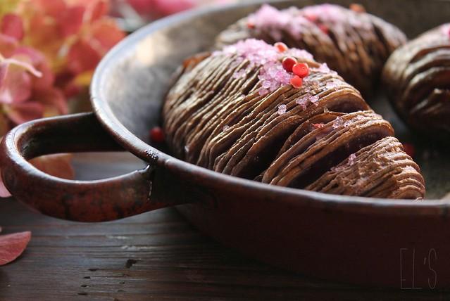 Pommes de terre vitelottes hasselback