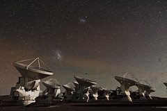 [Free Images] Architecture, Atacama Large Millimeter Array (ALMA), Night Sky, Stars, Landscape - Chile ID:201212182000