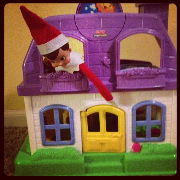 Hanging out in the Little People house this morning #elfontheshelf