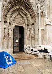 Vor der Votivkirche