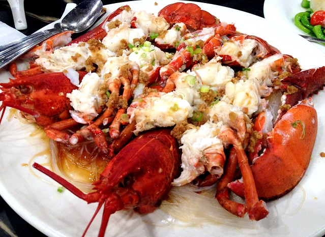 Steam Lobster with Garlic