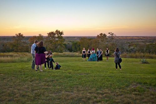 blue wedding sunset party orange clouds austin bride texas photographer dusk aaron mindy bridal manor terradorna mindyandaaron