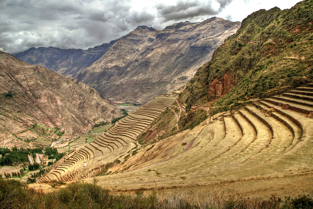 Pisac Peru Vista De Las Terrazas De Cultivo Desde Las Ru