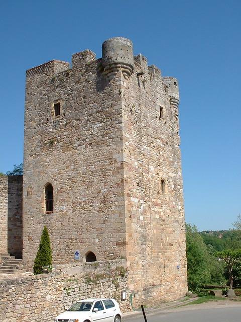 Le donjon de Capdenac-le-Haut ou la tour de Modon