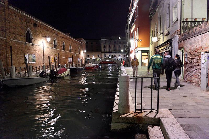 Rio Croce at night