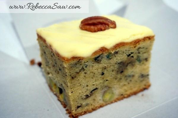Swich Cafe - Publika - banana cake, apple cake and avocado cake-015
