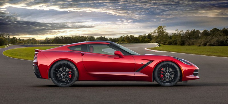 2014-chevrolet-corvette-side-view