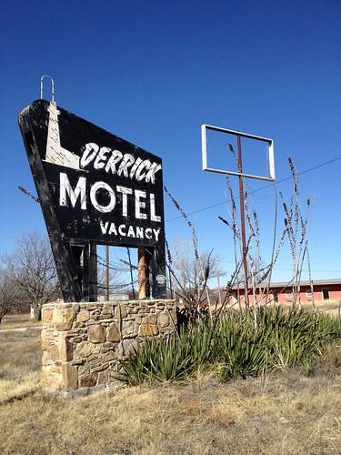 Derrick Motel Abilene Texas Abandoned Neon Sign Vintage IMG_4795
