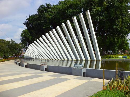 Monumen Taman Pelangi Surabaya by Blogermie