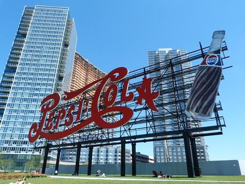 Cartel de Pepsi en Gantry Plaza State Park (Nueva York)