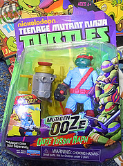 "Nickelodeon ""MUTAGEN OOZE"" TEENAGE MUTANT NINJA TURTLES :: OOZE TOSSIN' RAPH  - A (( 2013 ))"