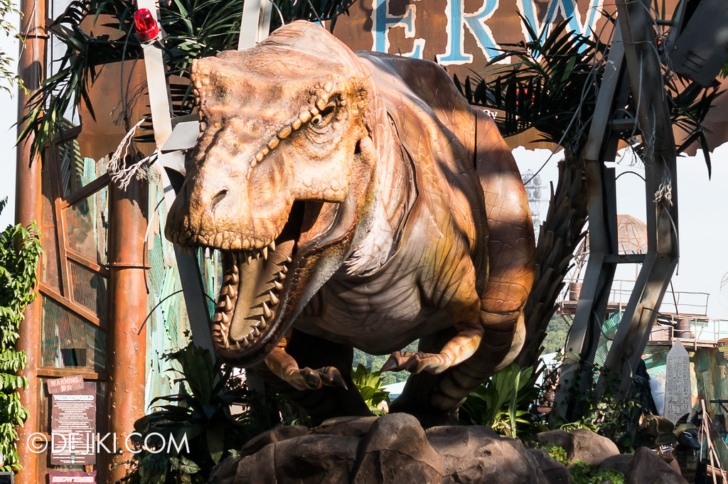 Hollywood Dreams Parade - Jurassic Park 4