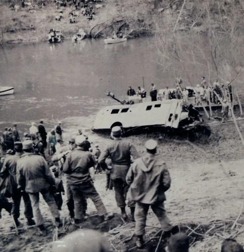 prestonsburg school bus crash