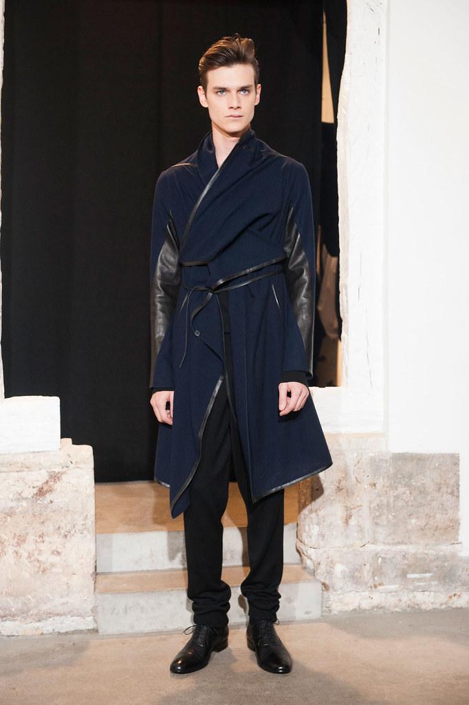FW13 Paris Gustavolins010_Douglas Neitzke(fashionising.com)