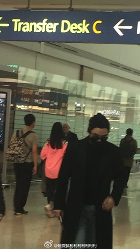 Big Bang - Harbin Airport - 22mar2015 - Seung Ri - 唯愛膩利利利利利利利 - 02