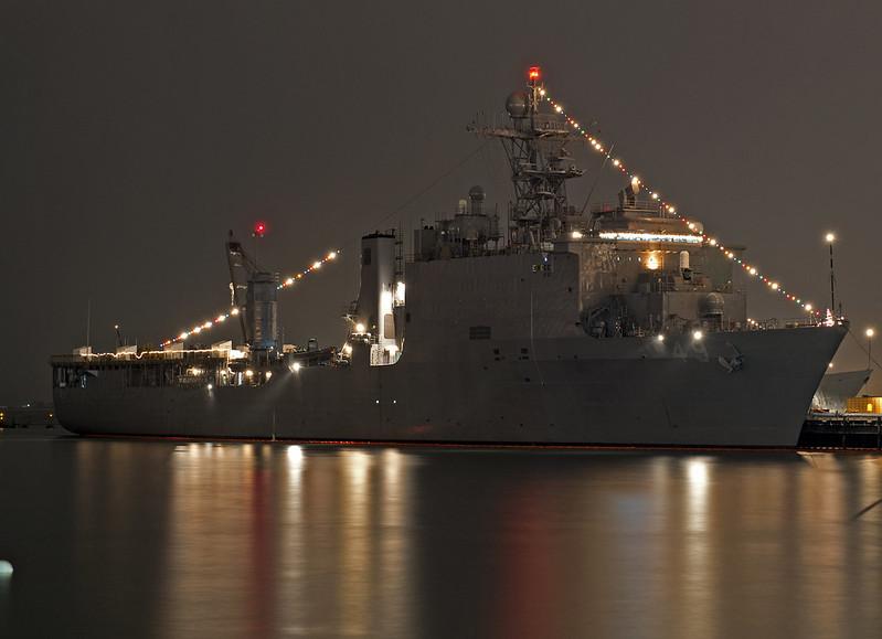 USS Harpers Ferry (lsd49)