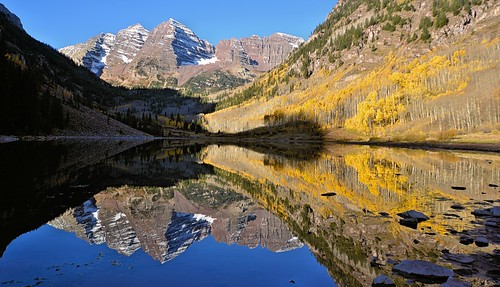 morning travel autumn lake snow mountains reflection fall beautiful reflections landscape mirror nikon colorado nationalforest aspens aspen maroonbells bestcapturesaoi photobenedict