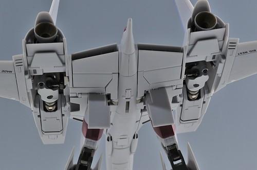 やまと 完全変形 1/60 VF-4G Lightning III 機体下部カバーマニュアルどおり