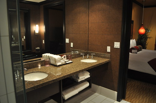 Huge Bathroom at Tulalip!