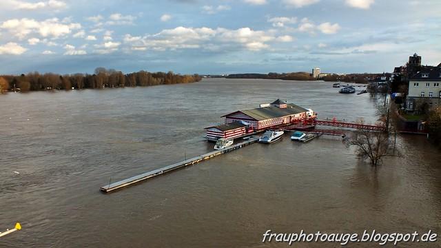 Alte Liebe bei Hochwasser