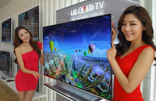 올레드TV(모델명: 55EM9700) 사진