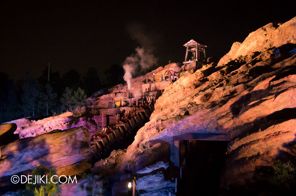 Grizzly Gulch at night