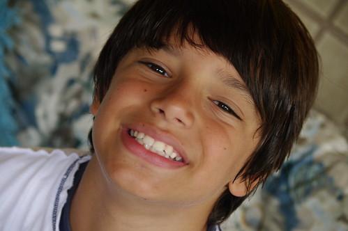 Nove anos, um rapazinho. by pqueirozribeiro