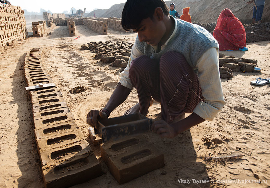 Production of the bricks, Rajhastan