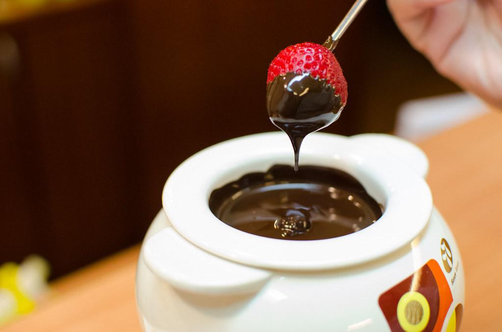 chocolate fondue 03