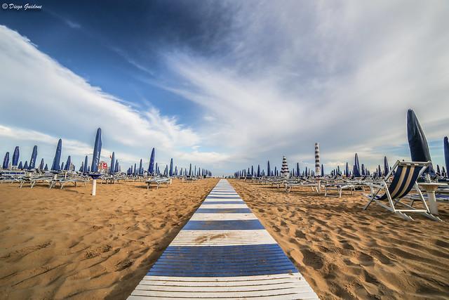Passerella sulla spiaggia di  Jesolo