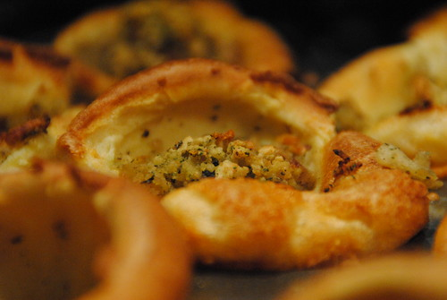 Stuffed yorkshire puddings christmas canapes or turkey for Yorkshire pudding canape