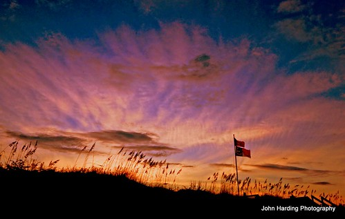 autumn fall beach coast nikon december northcarolina flags 2012 seaoats tisdale d90 thedunesatduck