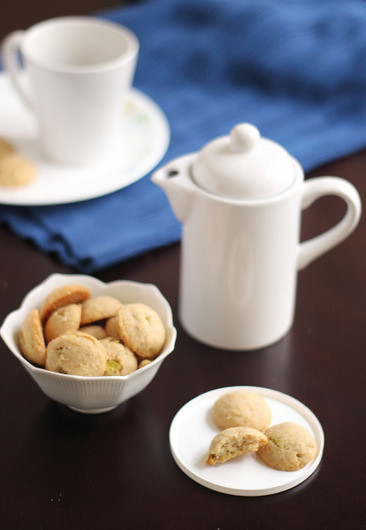 Nankhatais- Indian Wholewheat cardamom cookies