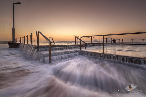 ocean summer beach pool sunrise canon rocks seascapes outdoor clearsky monavale northernbeaches canonefs1022mm longeposure eastcoastaustralia monavalerockpool canon550d
