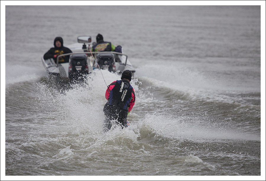 New Year's Waterskiing On The Mississippi 3