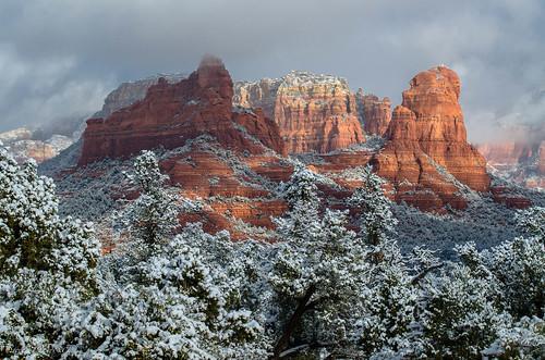 arizona snow sedona newyearseve sweetlight lr4 nikkor70300mmvr nikond7000 steveflowersphotographycom photoclamtripodandbh