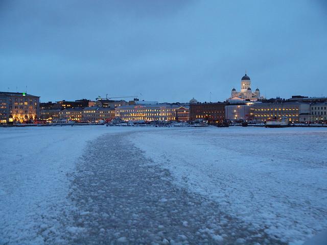 El centro de Helsinki, desde un ferry.