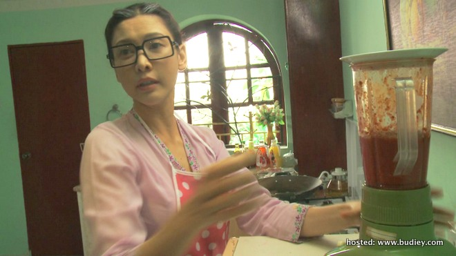 Nasha pegang watak ibu dalam drama ini