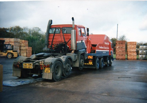 Leyland Constructor Recovery Truck, D831 WTV & Leyland Roadtrain, F159 GRC.