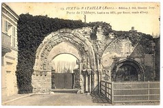 Old postcard from Ivry-la-Bataille - The gate of the 11th century abbey