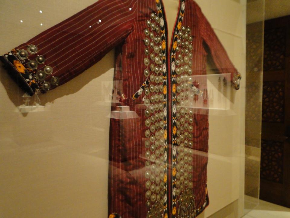 01 7dec12_5006 coatTurkmen jewelryMetropolitan Museum ofArt