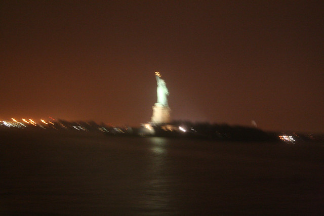 Horrible picture of the Statue of Liberty