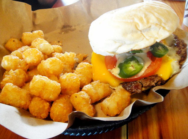 Cheeseburger with Tater Tots