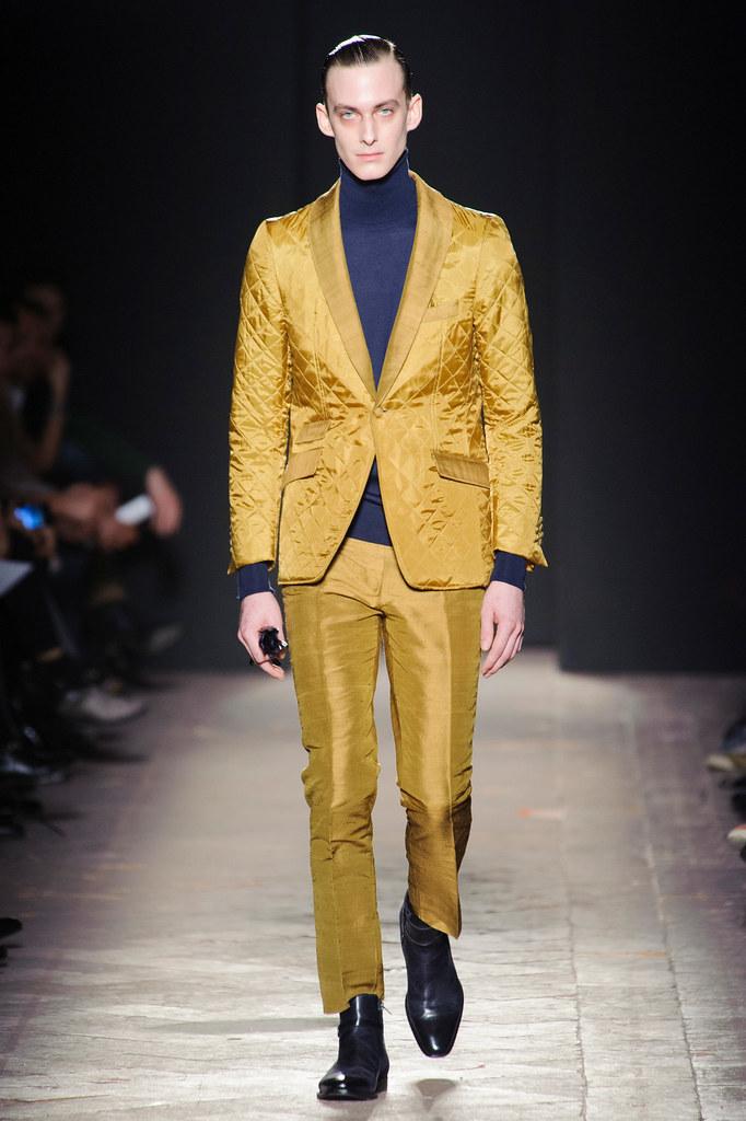 FW13 Milan Daks038_Elias Cafmeyer(fashionising.com)