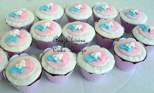 cupcake coração rosa by Ana Oliveira Cake Design