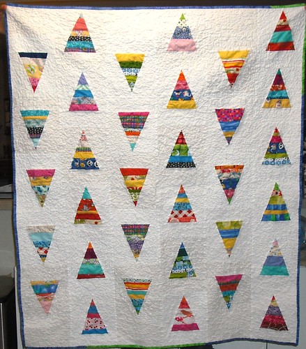 string triangle quilt - front
