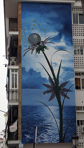 Murales Artísticos de Estepona (Spain): 'Una Flor de Futuro' (A flower of the future) by Jose Fernandez Rios
