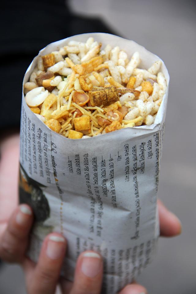 Famous Bengali street snack - Jhal Muri
