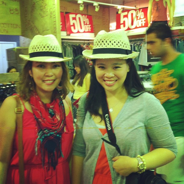 Great shopping finds and great friends always go well together. Foldable Panama hat on sale in Cotton On: SGD2 (P66). Good friend: Priceless. Thanks for hosting us in Singapore @binkkihipolito ❤ #travel #singapore #shopping #tavelshopping #CottonOn #frien