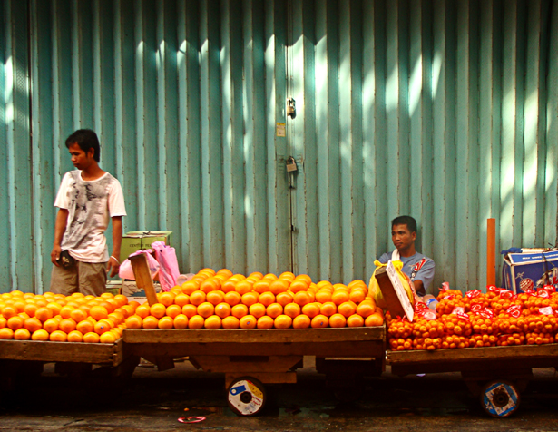Orange Vendors at Divisoria